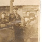 300-18-ArbourJoseph-Enfants-HerveArmandLucienYvonneJeanneLeo-1913